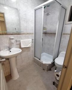 A bathroom at Casa Hotel Trocha Angosta