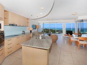 A kitchen or kitchenette at Sebel 808 by G1 Holidays