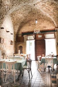 מסעדה או מקום אחר לאכול בו ב-Al-Hakim Boutique Hotel Old Town Nazareth