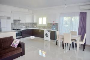 Una cocina o zona de cocina en Neo Line