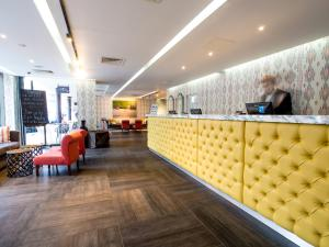 The lobby or reception area at Guildford Harbour Hotel
