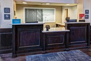 The lobby or reception area at Hampton Inn & Suites Nashville-Vanderbilt-Elliston Place