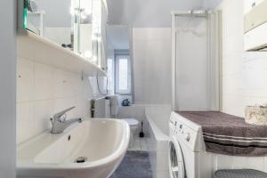 Koupelna v ubytování 6420 City-Privatapartment
