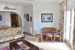 A seating area at B&B Cote D'azur