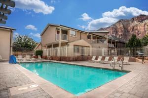 The swimming pool at or near Quality Inn Springdale at Zion Park