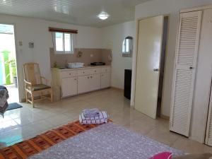 A cozinha ou cozinha compacta de Oasis studio nearby the beach 2