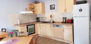 Küche/Küchenzeile in der Unterkunft Pension STELLA