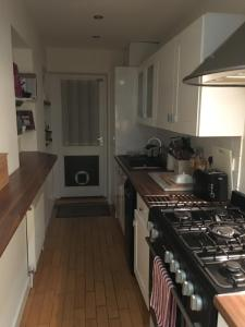 A kitchen or kitchenette at Walpole Road
