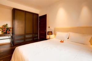 A bed or beds in a room at Villa Laguna by Oazure 1 - 8 persons