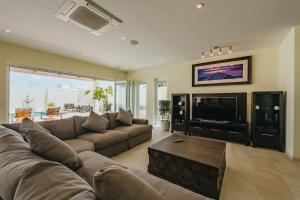 Uma área de estar em Villa Ocean