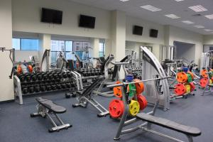 The fitness centre and/or fitness facilities at Capsule Hostel Capslock