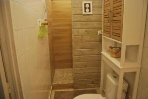 Salle de bains dans l'établissement Villa Kannel