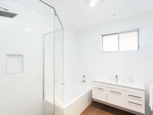 A bathroom at 36 Cliff Road