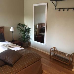 Säng eller sängar i ett rum på Lindelunda Bed & Breakfast