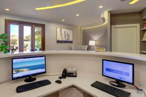 The business area and/or conference room at FAVIGNANA HOTEL Concept Holiday