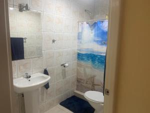 Um banheiro em Sunset Heights Holiday Home