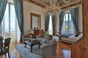 A seating area at Imperiale Palace Hotel