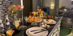 مطعم أو مكان آخر لتناول الطعام في Riyadh Inn