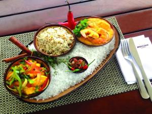 Lunch and/or dinner options available to guests at Mercure Salvador Rio Vermelho
