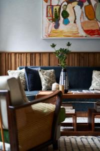 A seating area at Redchurch Townhouse