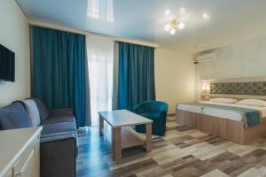 A seating area at Hotel Venera Resort