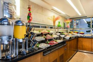 A restaurant or other place to eat at Levni Hotel & SPA - Special Category