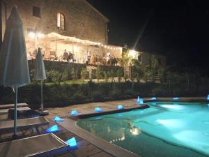 The swimming pool at or near Podere Ripi