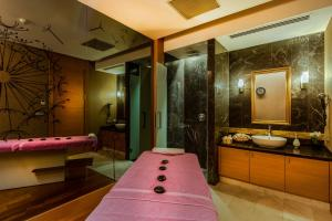 A bathroom at Levni Hotel & SPA - Special Category