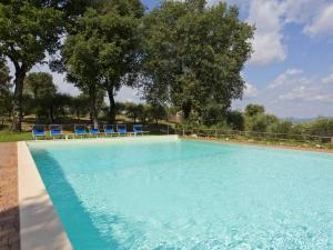 The swimming pool at or close to Antico Borgo Poggiarello