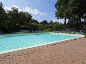 Piscine de l'établissement Antico Borgo Poggiarello ou située à proximité