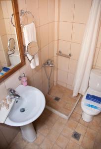 Ένα μπάνιο στο Ακρογιάλι Ξενοδοχείο & Βίλλα