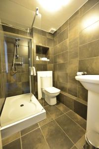 A bathroom at Birch Hotel