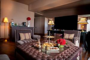 A television and/or entertainment center at The Pearl Marrakech