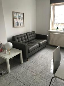 A seating area at Apartment de Boer