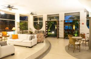 The lobby or reception area at Hotel Porto Di Mare