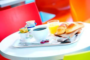 Options de petit-déjeuner proposées aux clients de l'établissement Premiere Classe Dunkerque Saint Pol Sur Mer