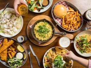 Lunch and/or dinner options for guests at Novotel Sydney Darling Square