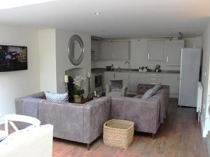 A kitchen or kitchenette at Kings Head Bawburgh