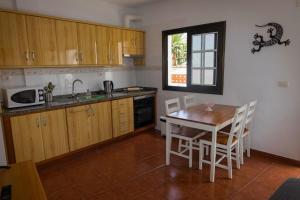 Кухня или мини-кухня в Casa del Cu bano A- Biosphere Reserve