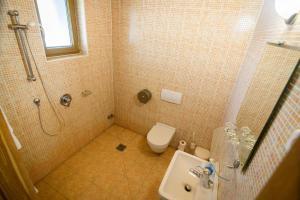 A bathroom at Tekergő Motel és Étterem