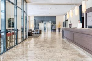 The lobby or reception area at IntercityHotel Dresden