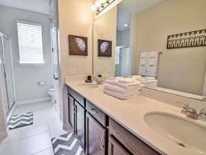 A bathroom at Villa Sandy Trail