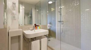 A bathroom at Axel Hotel Barcelona & Urban Spa- Adults Only