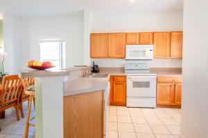 A kitchen or kitchenette at Hapimag Orlando - Lake Berkley Resort