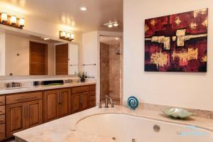 Un baño de Condo Playa Blanca 1309 Apartment