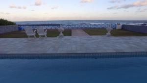 The swimming pool at or close to HOTEL MAR ABERTO OLINDA