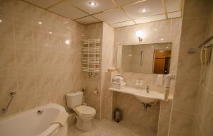 Łazienka w obiekcie Hotel Kamena