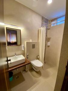 A bathroom at Kankariya Heritage