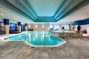 Het zwembad bij of vlak bij HUP