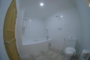 A bathroom at Jade Royal Hotel Monywa